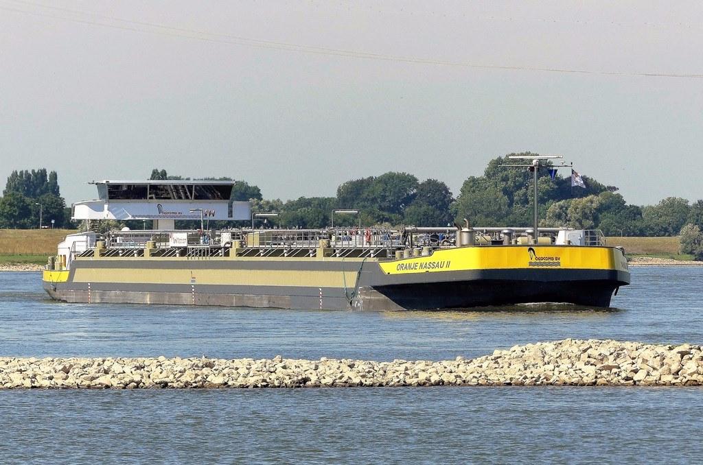 Gespot op de waal pagina 159 scheepvaart forum for Nassau indus deur bv oosterhout