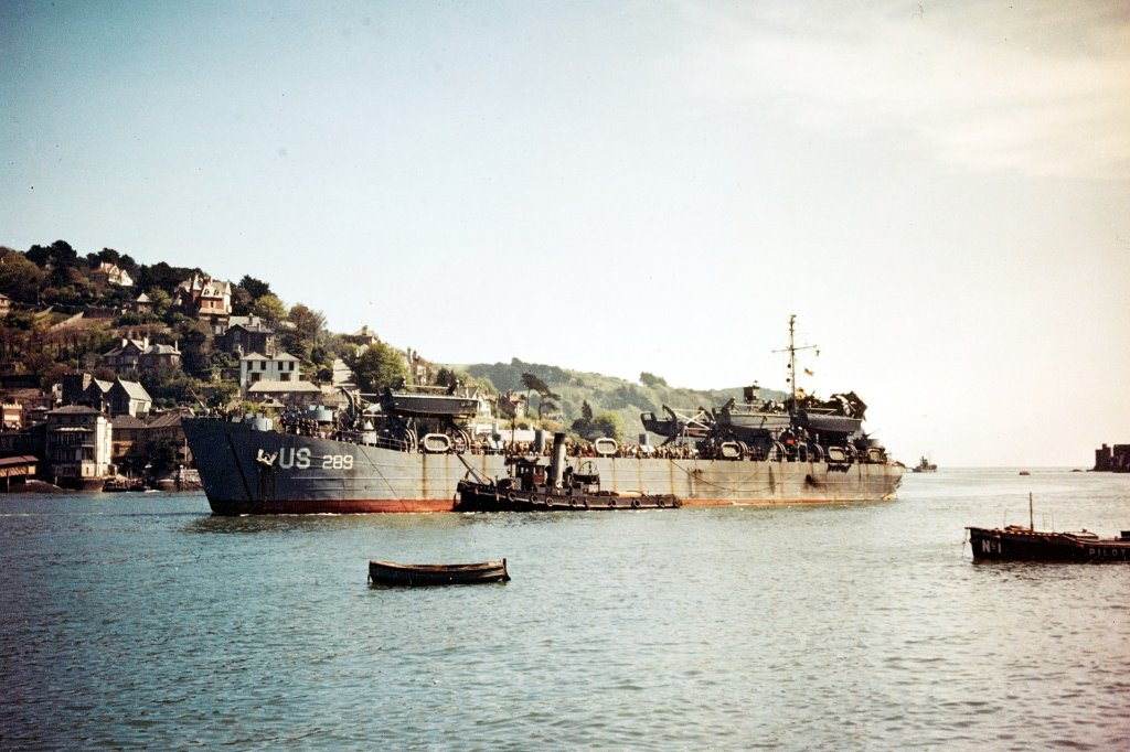 USS_LST-289-Dartmouth-28-4-1944_after_Slapton_tor-80-G-K-2054.jpg