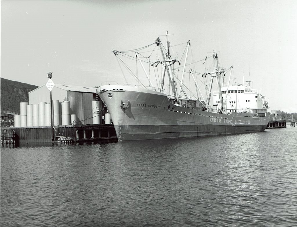 Elise Schulte at Red Rock, Ontario, Can. Loading woodpulp for Liverpool..9  oct. 1962.jpg