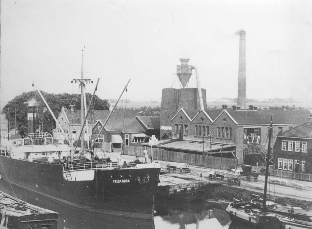 frida horn 1921 werf union giesserei königsberg in haven groningen.jpg