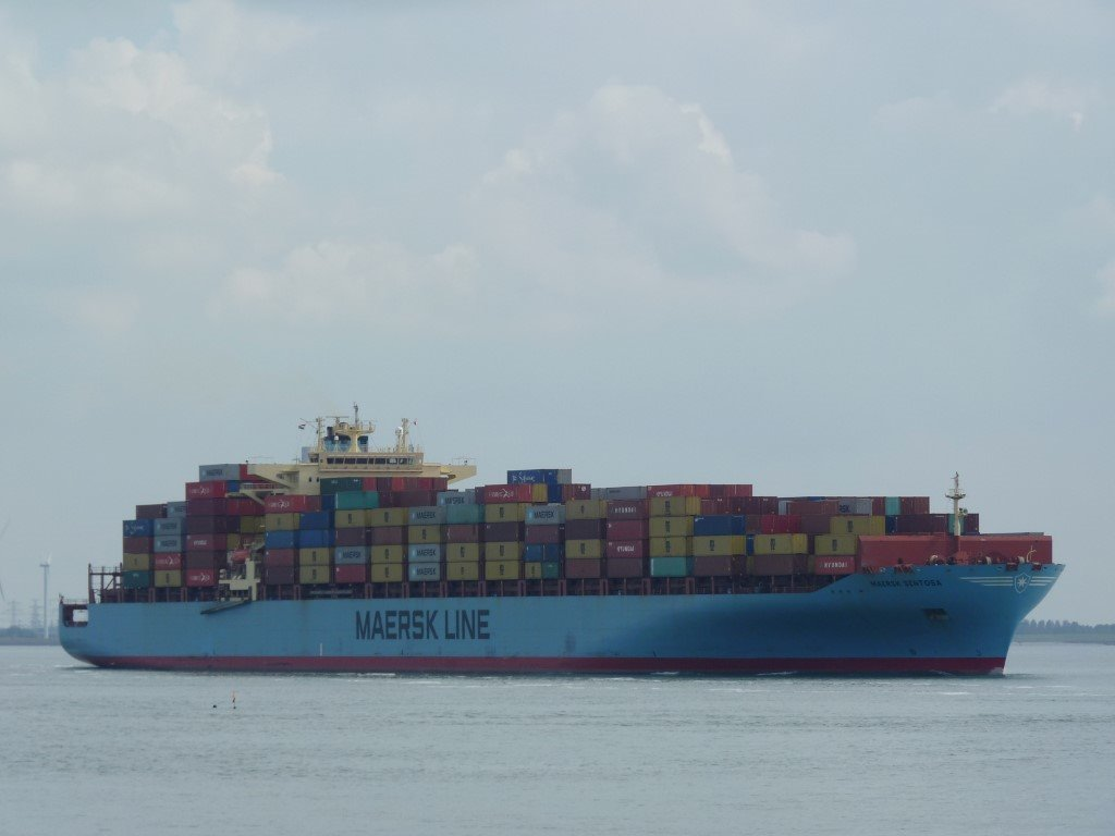 Maersk Sentesa Norfolk VA170917 (3) (Medium).JPG