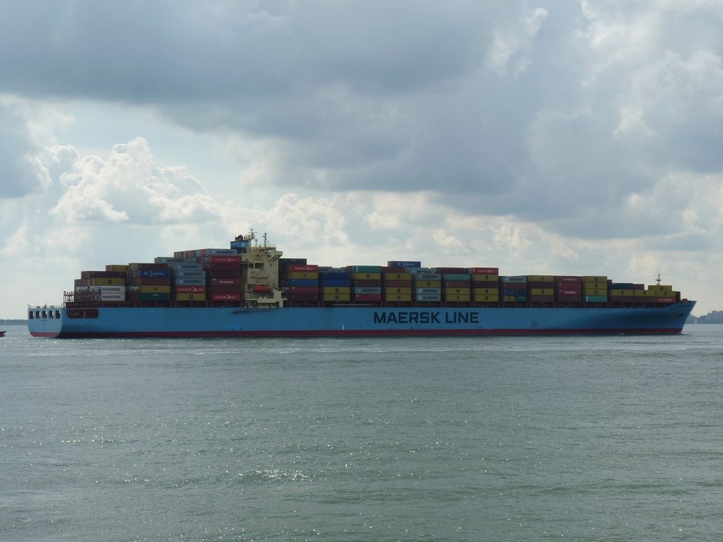 Maersk Sentesa Norfolk VA170917 (8) (Medium).JPG