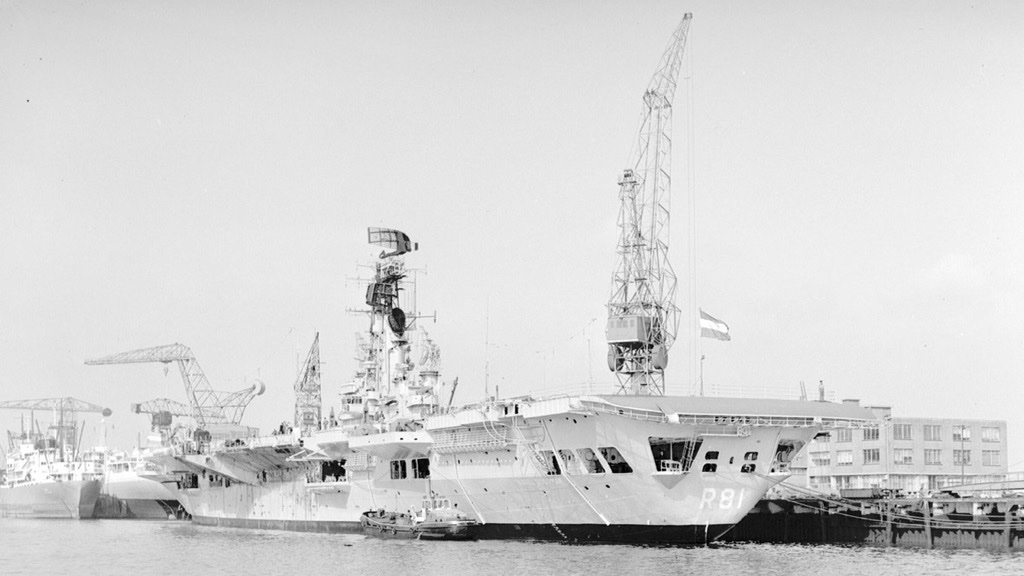 HMS Karel Doorman.jpg