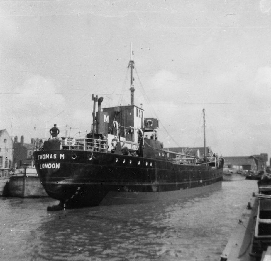 THOMASMof1938_RiverHull_LesReid.jpg
