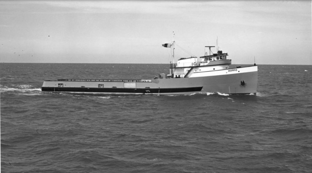 Hippo in the GOM .built by Levingston Shipbuilding, Orange TX  30-Jan-1969.JPG