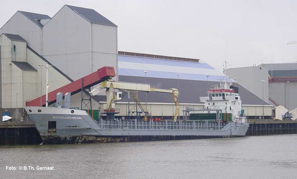 schouwenbank 1998 in harlingen 30 december 2010.jpg